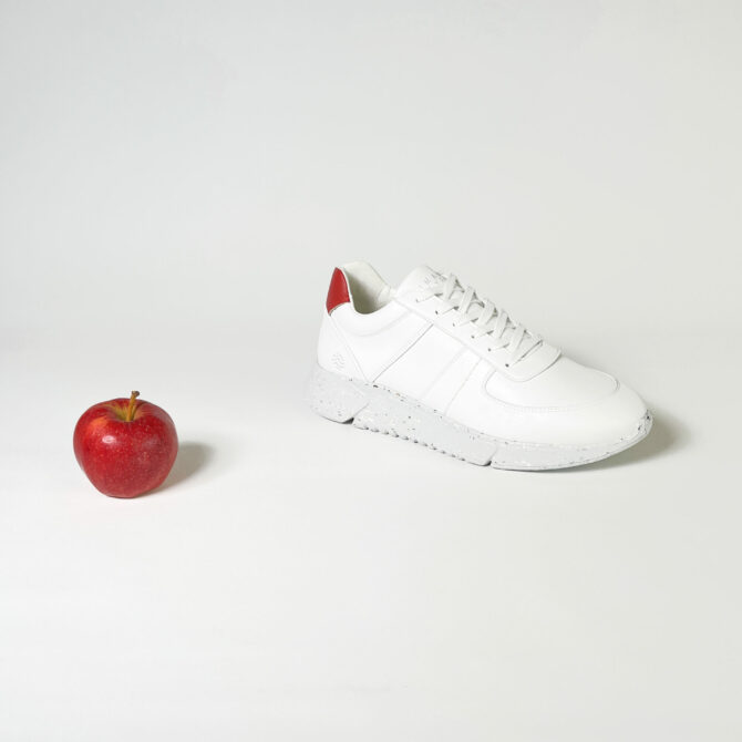 Apple leather: the secret to a healthy fashion industry?